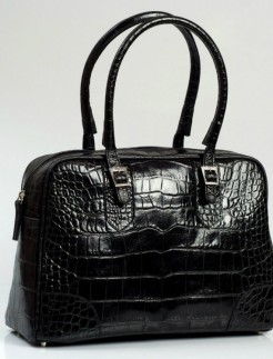 Black-faux-crocodile-tote-Lili-bagfashionista