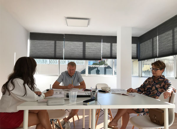 INTENSIVE COURSES: BECOME FLUENT IN SPANISH The Intensive Courses are designed for those students who want to become fluent in Spanish in the shortest possible time.