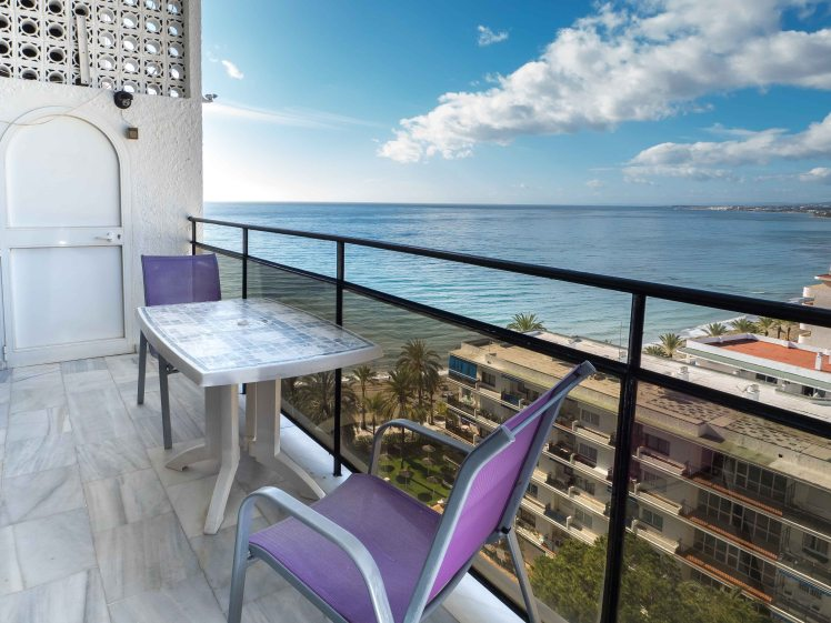 holiday apartment for rent in marbella, beach front ion Skol Holiday vacation complex